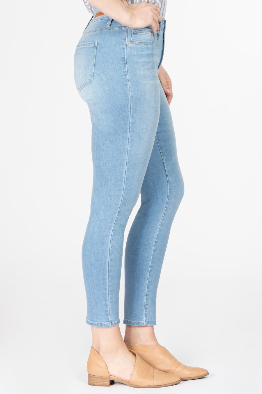 Women High-Rise Skinny Jean