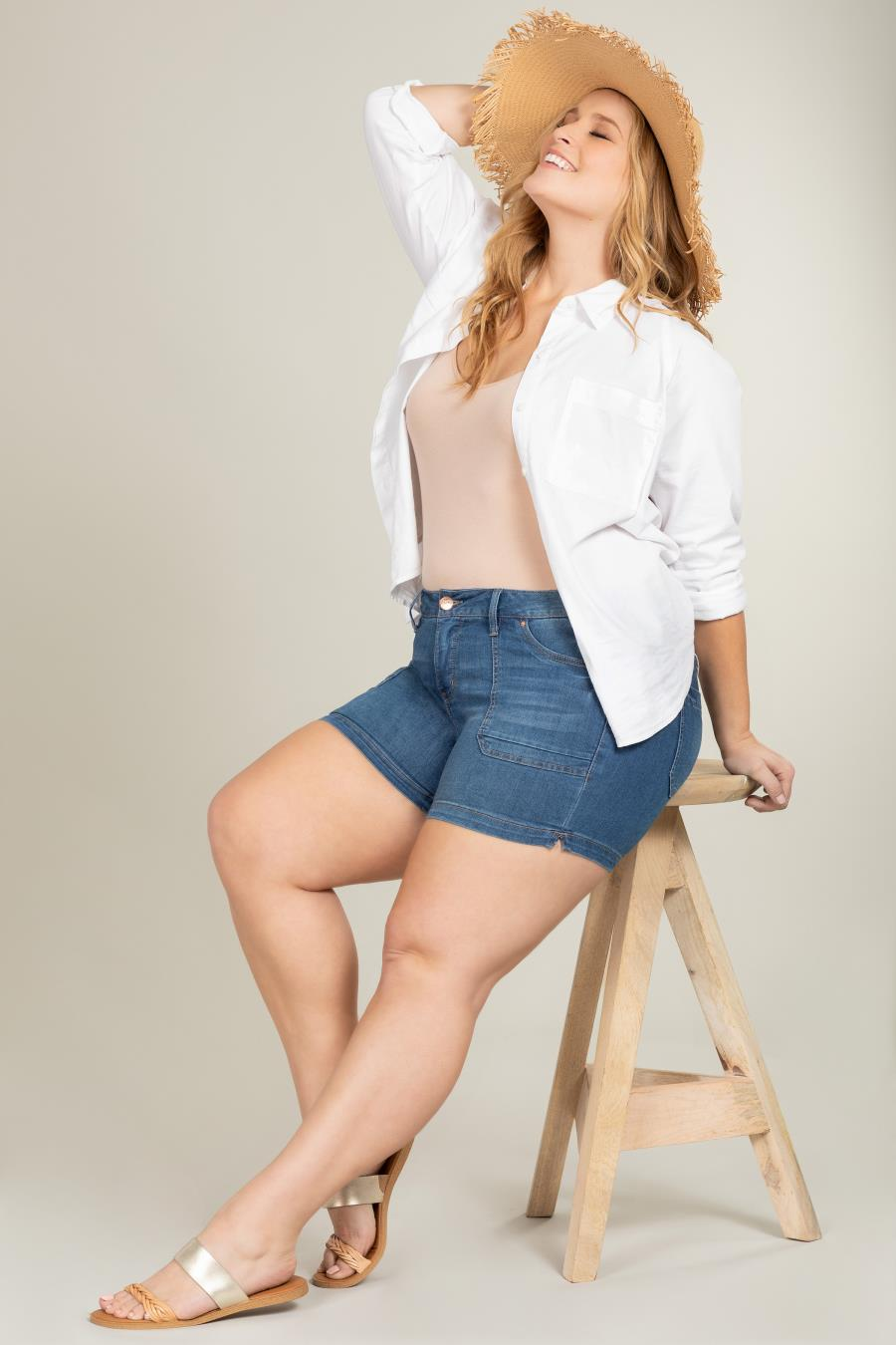 Women Plus Size Side Slit Shorts With Patch Pockets