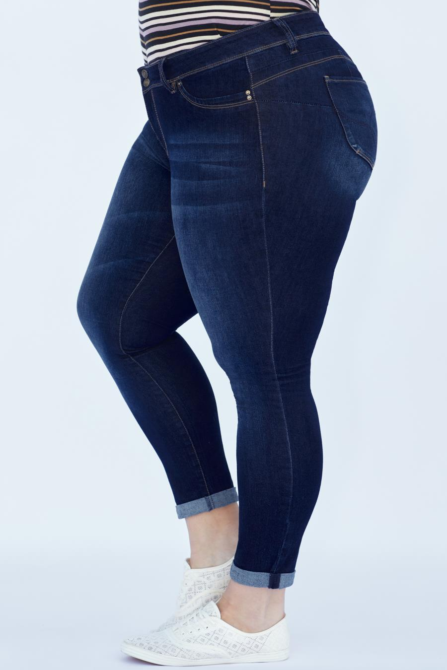 Women Plus Size WannaBettaButt Untacked Ankle Jean