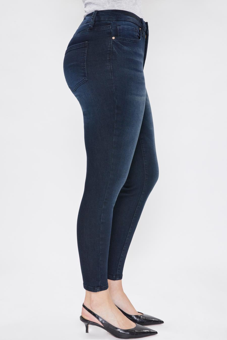 Women Curvy Fit High-Rise Skinny Jean Made From Recycled Fibers