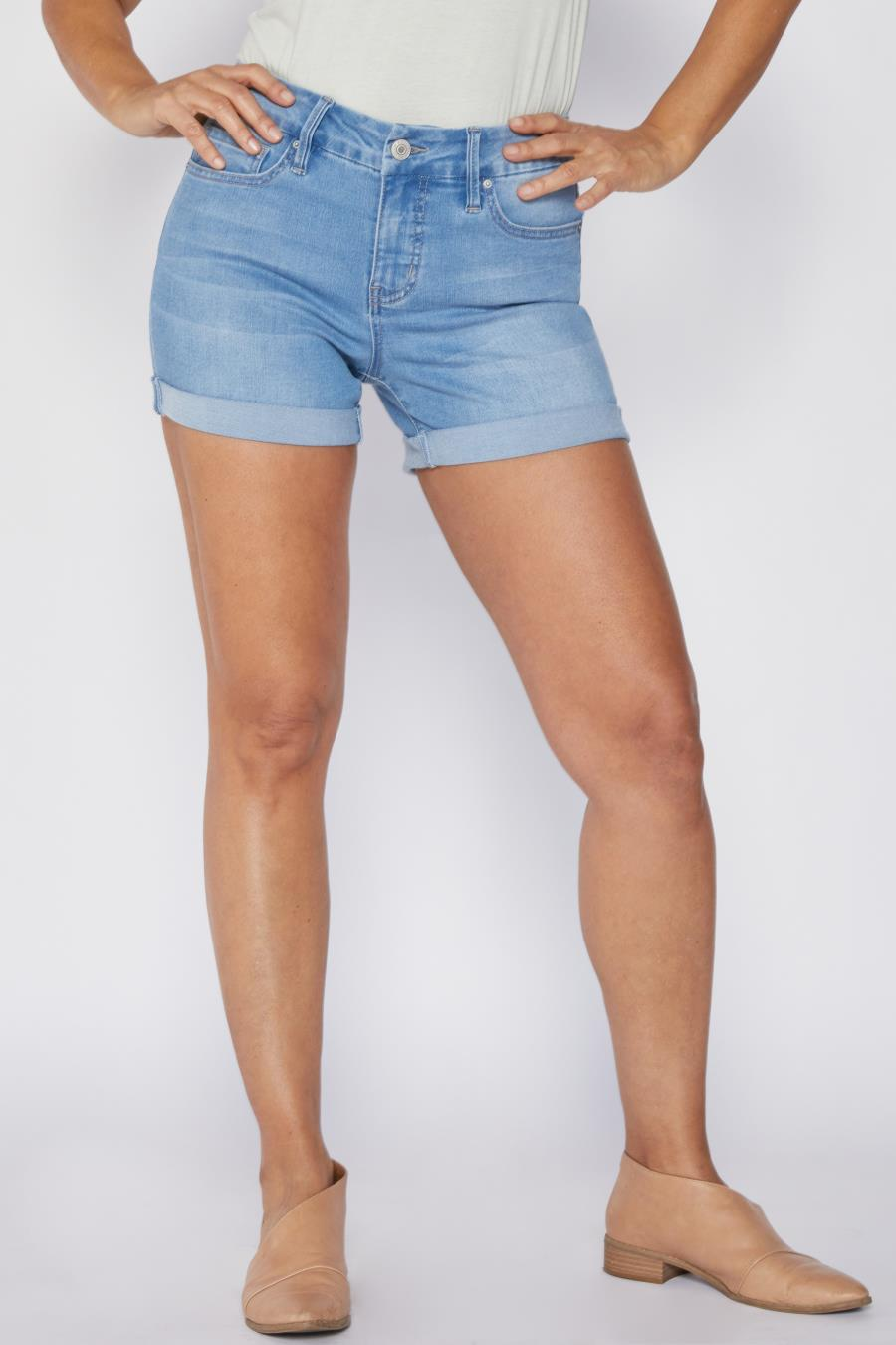 Women Petite Curvy Fit High-Rise Cuffed Shorts Made With Recycled Fibers