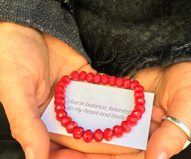 yw-web-heartopening-bracelet