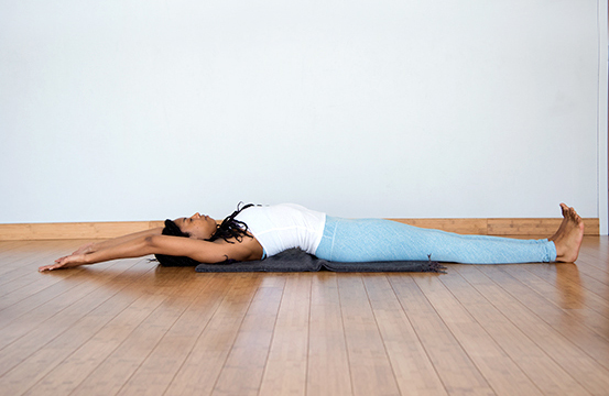 Start Your Day With These 5 Yoga Poses You Can Even Do Them In Bed