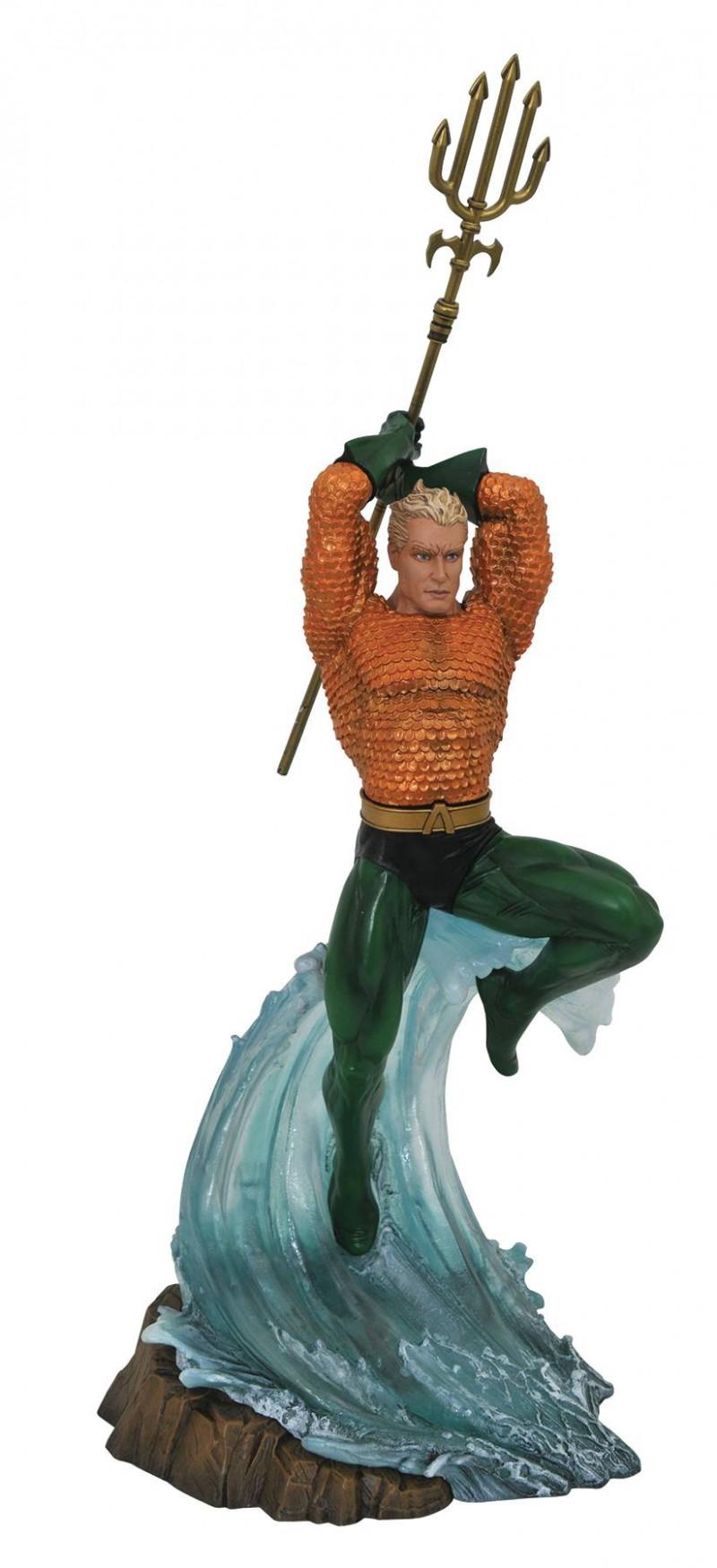 DC Gallery PVC Figure Aquaman